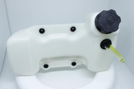 Бак топливный 4 отверстия под крепления тип №1 для мотокос
